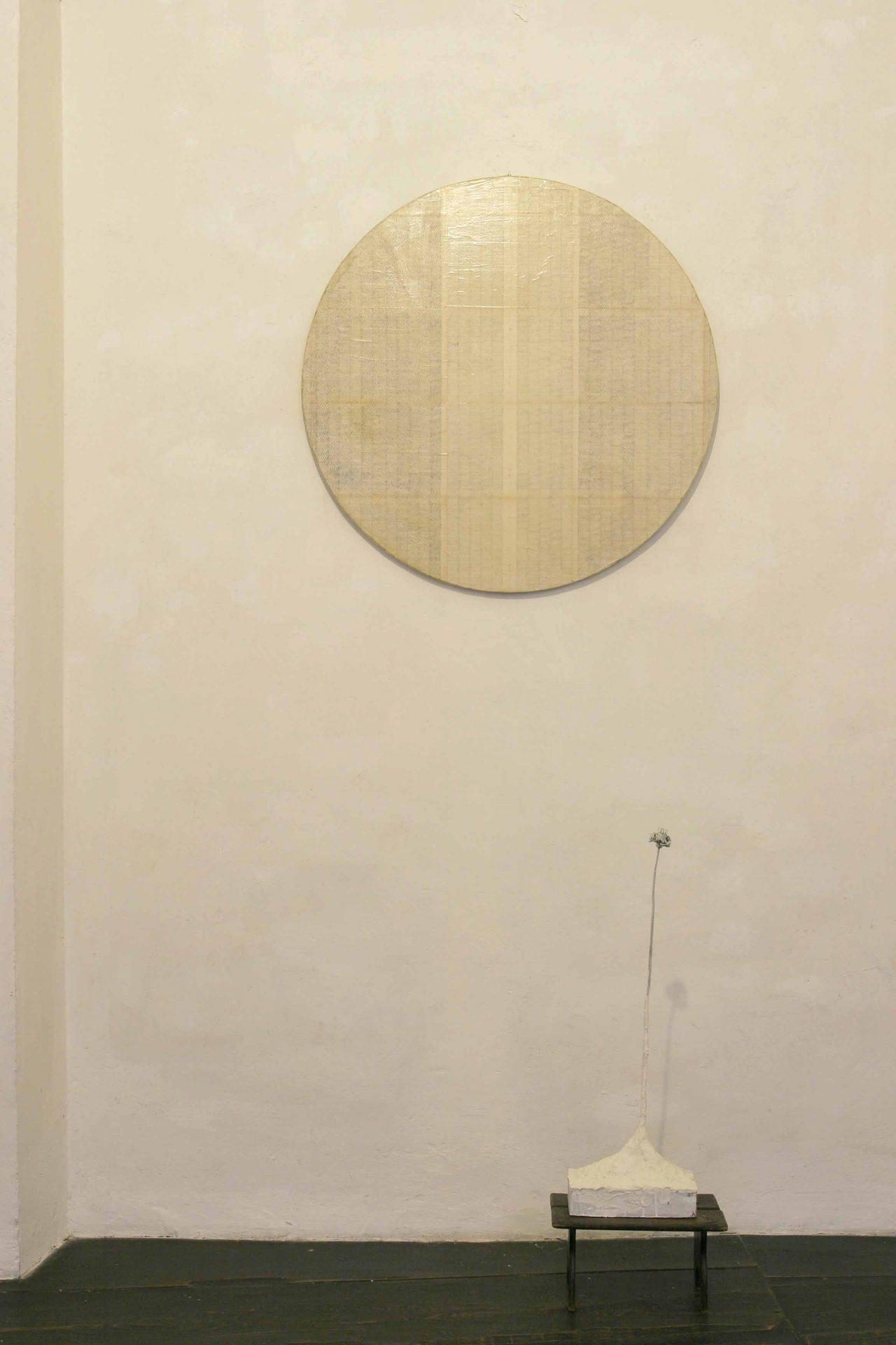 Fiore con cerchio - installazione galleria Miralli Rieti